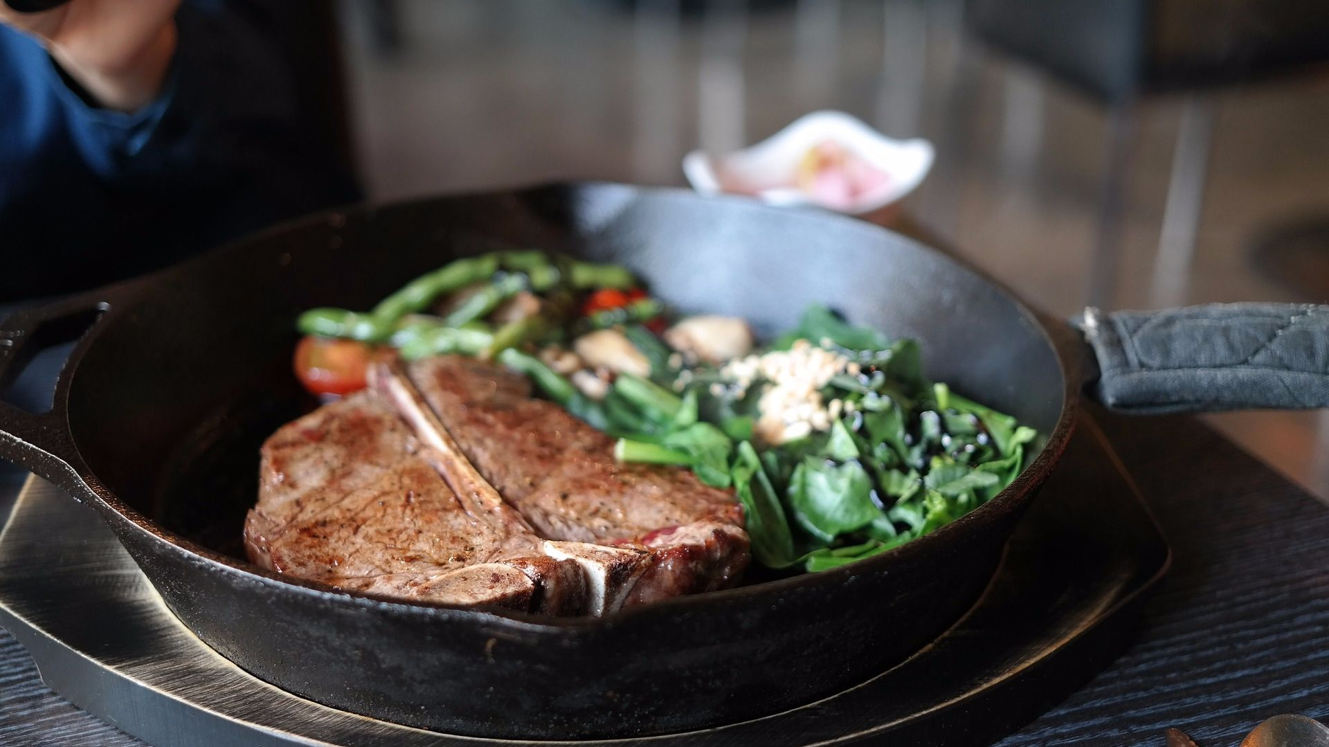 How to cook a steak steak in a pan